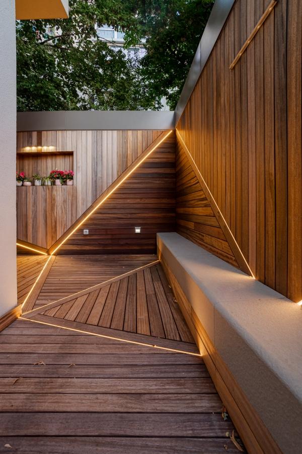 Scara interior lemn masiv