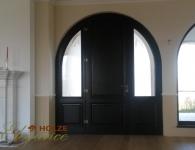 Ușă din lemn masiv