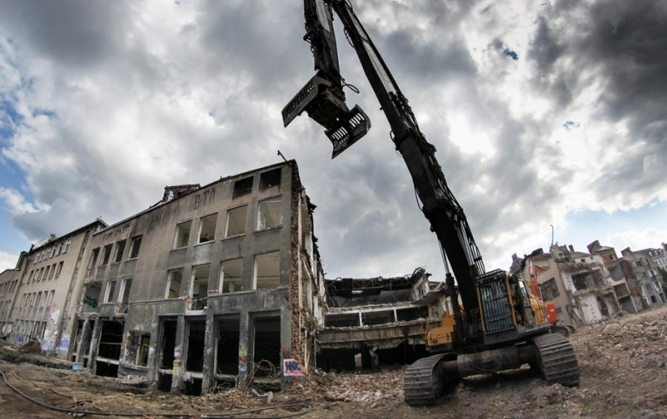 Demolări clădiri industriale
